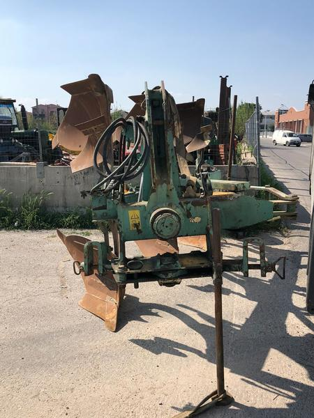 Aratro NARDI 3 CORPI MEC 21 IDRAULICO -809A471E-7119-4627-81FD-3D0C29D2A751.jpeg
