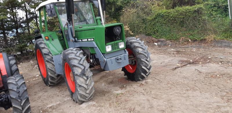 FENDT 85 cv DT TRATTORE CON CARICATORE STOLL-29774BF4-18E7-4AC0-BE37-B7ACE6303EEF.jpeg